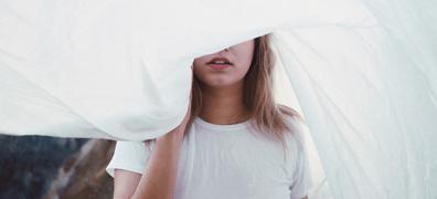 ホームクリーニングで黄ばみをオフ! 初夏は清潔な白シャツ&白Tで
