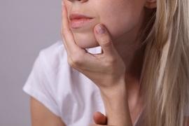 今さら聞けないエイジングケアQ&A!大人気美容液で肌悩みにアプローチ