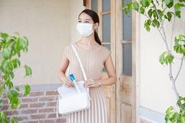 うるおい肌の第一歩は「守る」こと。持ち歩ける高精製ワセリンがガサガサ乾燥からあなたを守ります。