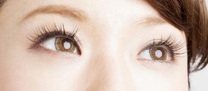 誰もが憧れるボリュームまつ毛、若々しい目もとに!簡単目もとケア
