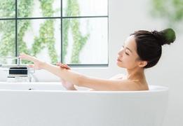 秋こそお風呂に入って美肌づくり♪保湿は「あがって3分以内」が鍵!