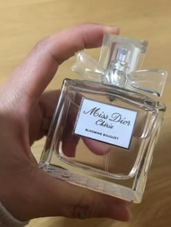香水(レディース)の画像