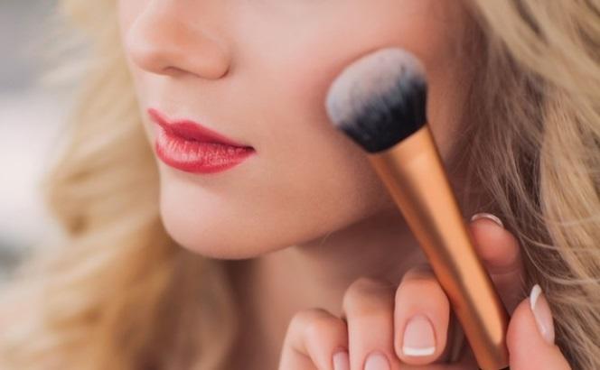 【関西:7月23日(月)】憧れのラグジュアリーブランド『Dior』『 ジバンシィ』『ゲラン』などの美容部員になるためのLINE個別相談会開催!!