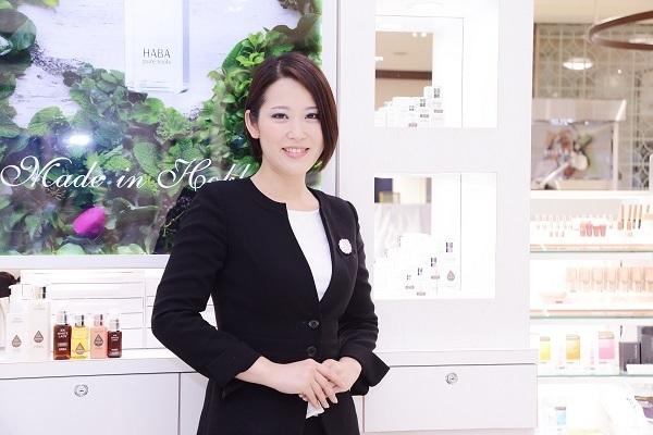 shopHABA 奈良エリア(2018年9月 NEW OPEN)美容部員・化粧品販売員(ビューティーカウンセラー)契約社員の求人のスタッフ写真1