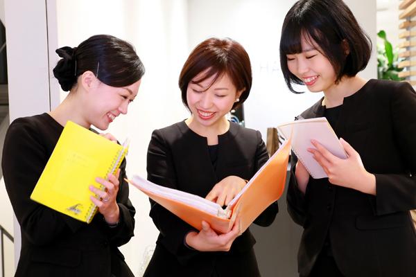 shopHABA 名古屋三越栄店美容部員・化粧品販売員(ビューティーカウンセラー)契約社員の求人のスタッフ写真1