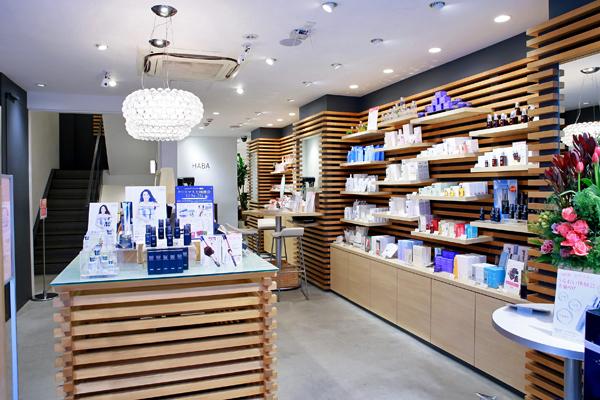 shopHABA 松坂屋上野店美容部員・化粧品販売員(ビューティーカウンセラー)契約社員の求人の店内写真1