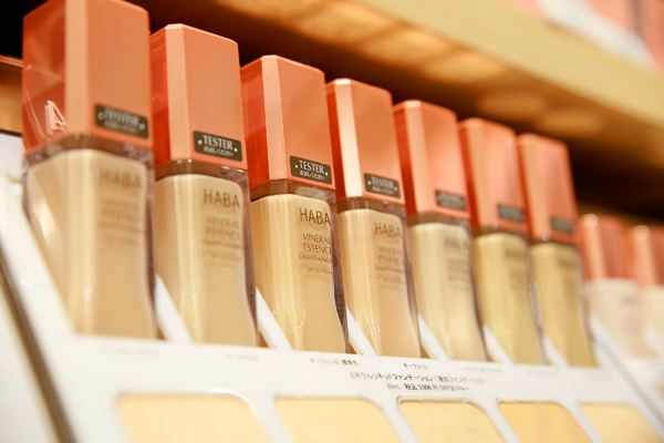 shopHABA マリエ富山店(2018年3月9日 NEW OPEN)美容部員・化粧品販売員(ビューティーカウンセラー)契約社員の求人のサービス・商品写真1