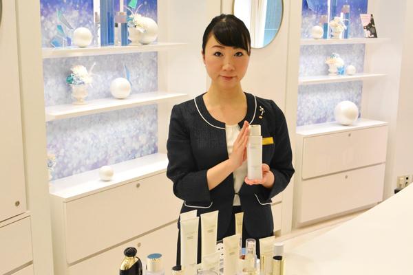 渋谷東急本店 ミキモトコスメティックスカウンター美容部員・化粧品販売員契約社員の求人のスタッフ写真7