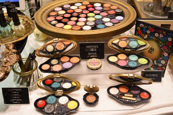 アナ スイ 東京エリアの百貨店・ファッションビル美容部員・化粧品販売員(ナビゲーター)契約社員の求人のサービス・商品写真5