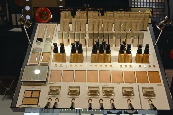 ADDICTION  ルミネエスト新宿店美容部員・化粧品販売員アルバイト・パートの求人のサービス・商品写真4