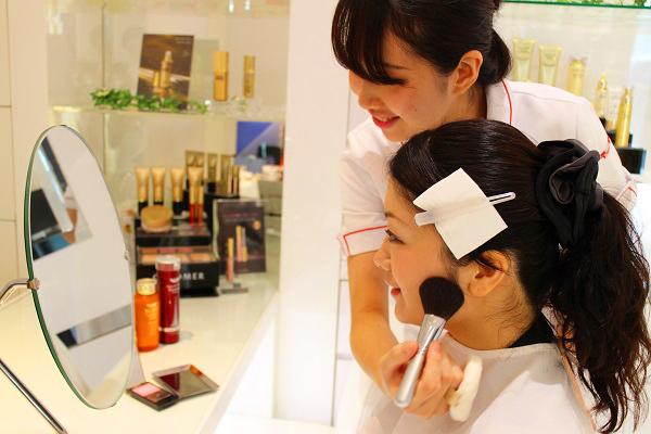 ドクターシーラボ イオン高知店美容部員・化粧品販売員(『ドクターシーラボ』ビューティーカウンセラー)正社員の求人の写真