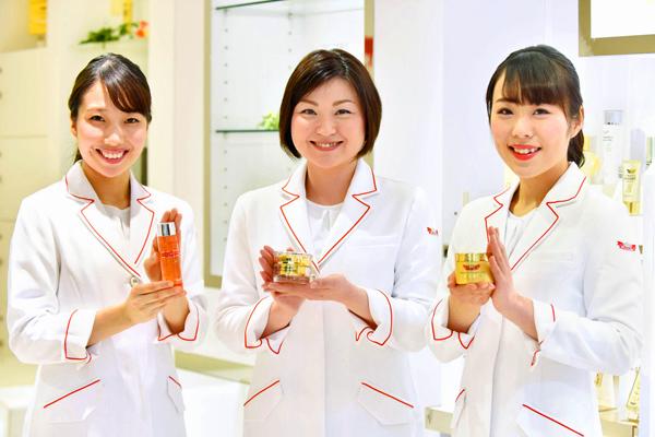 ドクターシーラボ 東急百貨店 東横店美容部員・化粧品販売員正社員の求人のスタッフ写真7