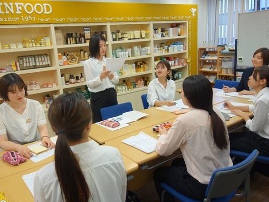 SKINFOOD 梅田EST店美容部員・BA(SKINFOOD(スキンフード)ショップスタッフ)契約社員,正社員,アルバイト・パートの求人のその他写真3