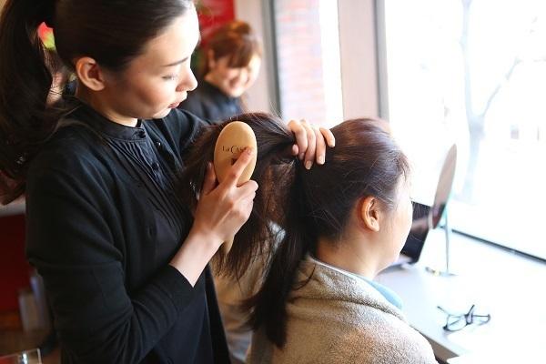 ラ・カスタ 銀座本店美容部員・化粧品販売員(販売スタッフ)契約社員の求人のサービス・商品写真1