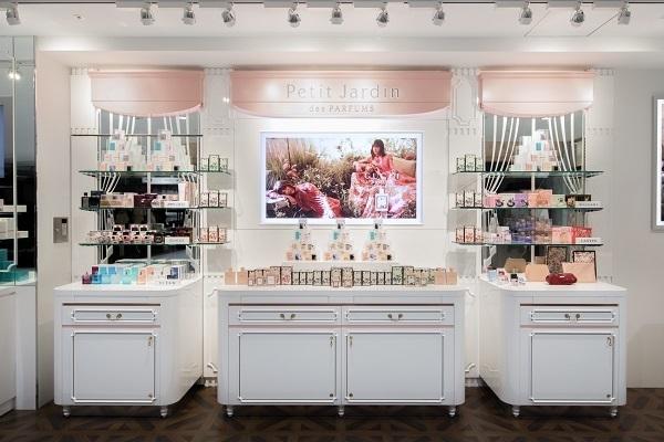京都市内 有名百貨店・ファッションビル内フレグランスコーナー美容部員・化粧品販売員(フレグランスアドバイザー)正社員の求人の店内写真2