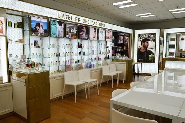 京都市内 有名百貨店・ファッションビル内フレグランスコーナー美容部員・化粧品販売員(フレグランスアドバイザー)正社員の求人のその他写真1