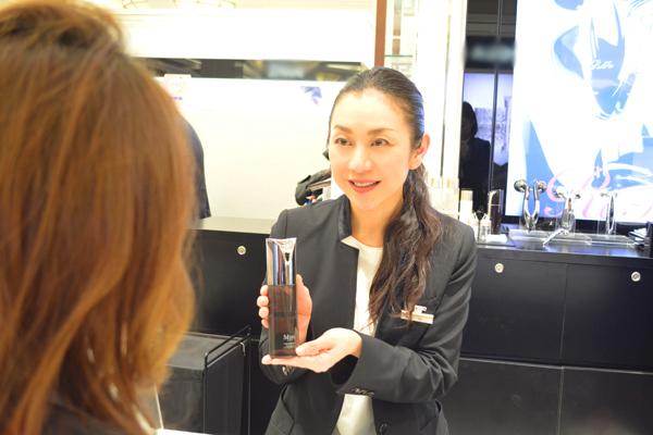 ReFa 京王百貨店 新宿店美容部員・化粧品販売員(モデリスト)正社員の求人のスタッフ写真2