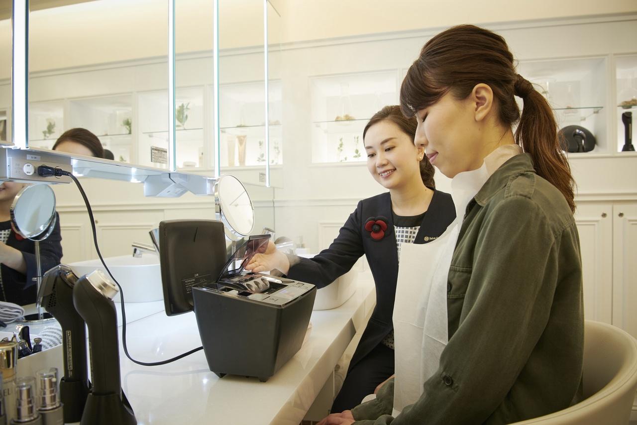 パナソニックセンター大阪 Salon de Beauty美容部員・BA(パナソニックビューティ美容家電アドバイザー)正社員の求人のサービス・商品写真1