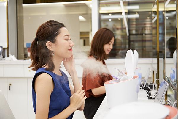 Panasonic Beauty PREMIUM 銀座三越店美容部員・BA(パナソニックビューティの美容家電アドバイザー)アルバイト・パートの求人のサービス・商品写真2