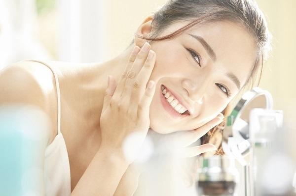 株式会社シャンソン化粧品 静岡本社化粧品業界の教育担当・トレーナー(美容インストラクター)人材紹介の求人の写真