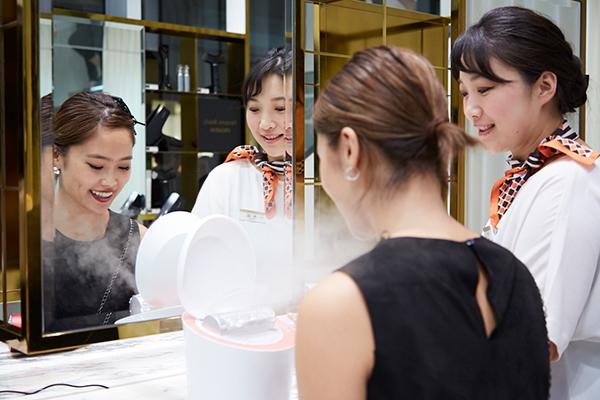 Panasonic Beauty PREMIUM 銀座三越店美容部員・BA(パナソニックビューティの美容家電アドバイザー)アルバイト・パートの求人のサービス・商品写真5