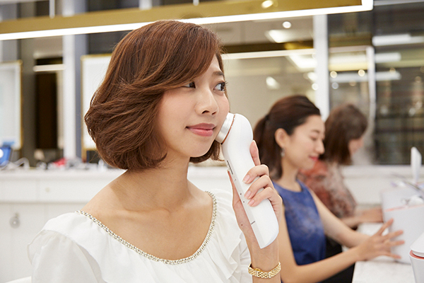 Panasonic Beauty PREMIUM 銀座三越店美容部員・BA(パナソニックビューティの美容家電アドバイザー)アルバイト・パートの求人のサービス・商品写真6