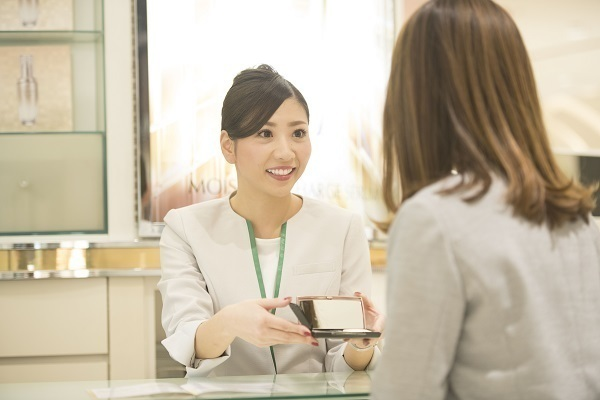 カバーマーク 東京エリア(池袋)美容部員・BA(アテンダントスタッフ)人材紹介の求人の写真