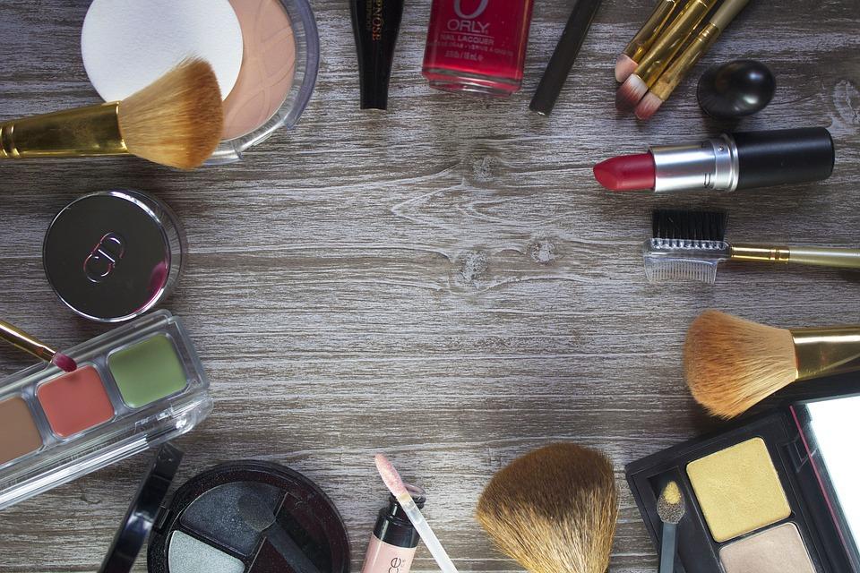 【博多・天神】百貨店・専門店美容部員・化粧品販売員(美容部員・化粧品販売員(ビューティアドバイザー))派遣の求人の写真