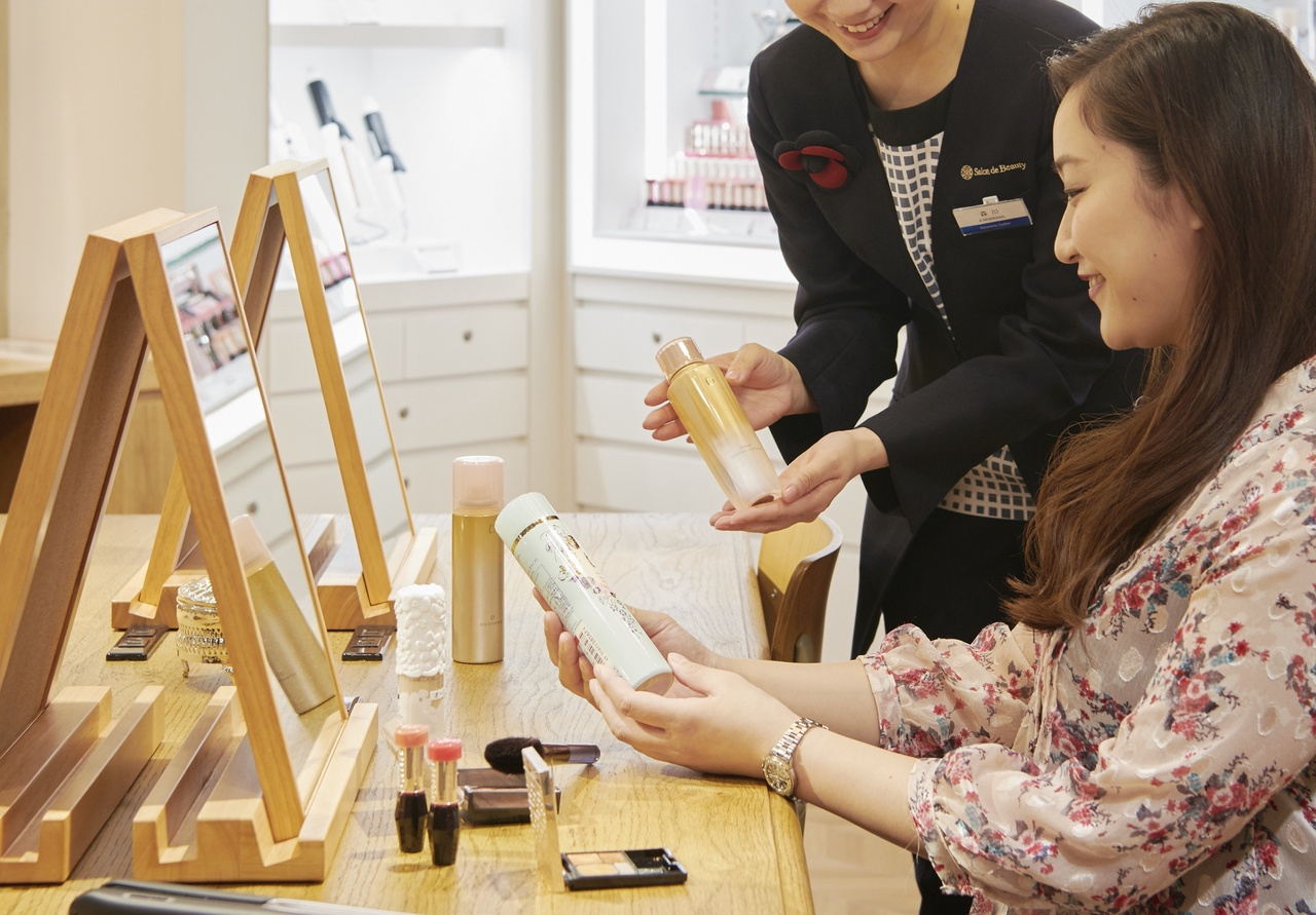 パナソニックセンター大阪 Salon de Beauty美容部員・BA(パナソニックビューティ美容家電アドバイザー)正社員の求人のサービス・商品写真3