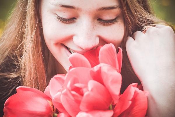 【名古屋(名駅)エリア】百貨店・専門店などの商業施設美容部員・化粧品販売員(美容部員・化粧品販売員(ビューティアドバイザー))派遣の求人の写真
