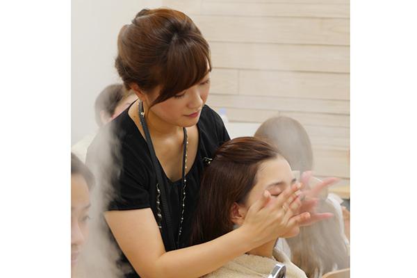 Panasonic Beauty SALON 銀座美容部員・化粧品販売員(パナソニックビューティの美容家電アドバイザー)正社員の求人の店内写真2
