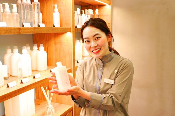 shiro + NEWoMAN新宿店美容部員・化粧品販売員(コスメティックブランド『shiro』のアドバイザー)正社員,アルバイト・パートの求人のスタッフ写真4