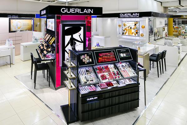 ゲラン 東京エリアの店舗美容部員・化粧品販売員(ビューティーアンバサダー)契約社員の求人の店内写真1
