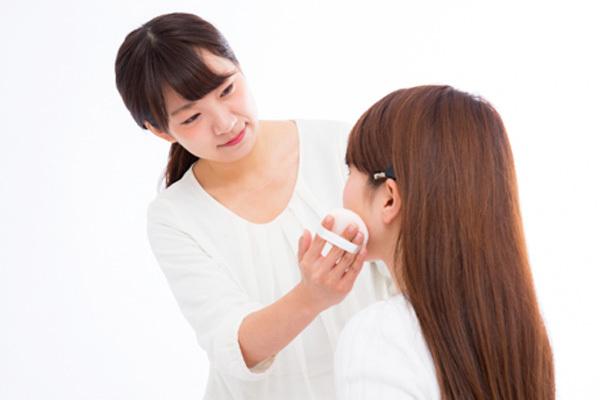 池袋エリアのショッピングプラザ美容部員・化粧品販売員派遣の求人のスタッフ写真2
