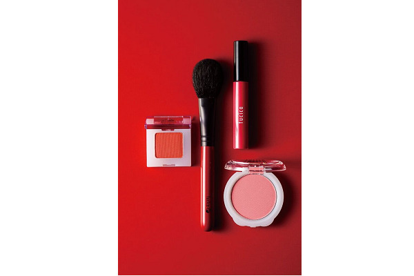 池袋エリアのショッピングプラザ美容部員・化粧品販売員派遣の求人のサービス・商品写真3
