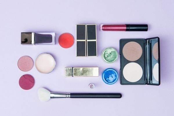 池袋エリアの百貨店・専門店・バラエティショップなど美容部員・化粧品販売員派遣の求人の写真