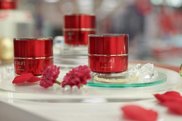 アスタリフト 品川区内商業施設内(2018年2月NEW OPEN)美容部員・化粧品販売員(チーフ・ビューティーコンサルタント)正社員,契約社員の求人のサービス・商品写真8