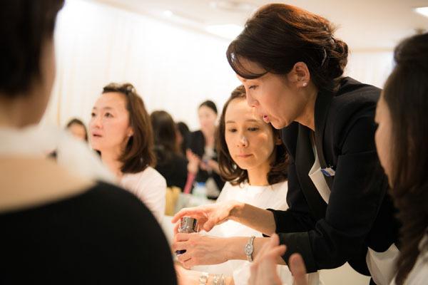 ラ・プレリー 東京23区エリア百貨店美容部員・化粧品販売員(イベントスタッフ)正社員の求人のスタッフ写真1