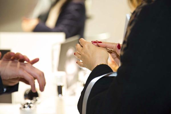 ラ・プレリー 中部国際空港美容部員・化粧品販売員(ビューティーアドバイザー)正社員の求人のスタッフ写真1