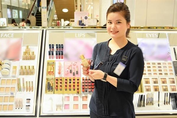 東急百貨店 吉祥寺店美容部員・BA契約社員の求人のスタッフ写真2