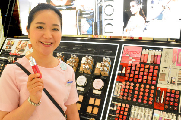 東急百貨店 吉祥寺店美容部員・化粧品販売員(『Dior』など)契約社員の求人の写真
