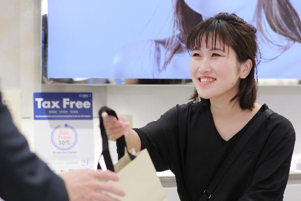 【NEW OPEN】東京都内(新宿・渋谷・青山・六本木他)のETVOS直営店美容部員・BA(ETVOSオープニングスタッフ(販売スタッフ))正社員の求人の店内写真3