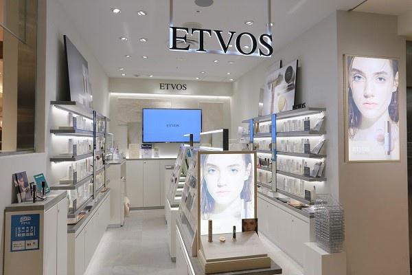 【NEW OPEN】東京都内(新宿・渋谷・青山・六本木他)のETVOS直営店美容部員・BA(ETVOSオープニングスタッフ(販売スタッフ))正社員の求人の店内写真1