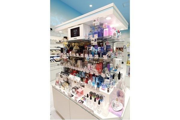 アクア コスメラボ イオンモール日の出店美容部員・化粧品販売員正社員,アルバイト・パートの求人のその他写真1