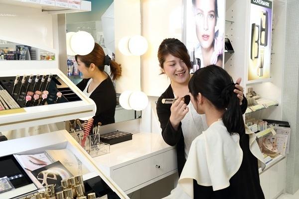 アクア コスメラボ イオンモール日の出店美容部員・化粧品販売員正社員/アルバイト・パートの求人のサービス・商品写真1