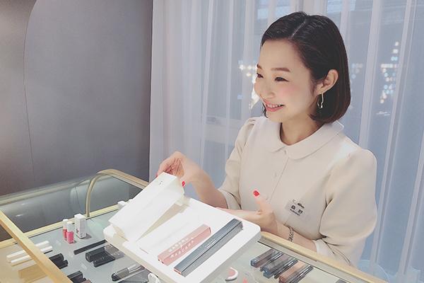 blanche étoile(ブランエトワール) 梅田店(2018年2月オープン)美容部員・化粧品販売員正社員,アルバイト・パートの求人のスタッフ写真1