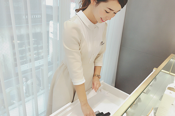 blanche étoile(ブランエトワール) 梅田店(2018年2月オープン)美容部員・化粧品販売員正社員,アルバイト・パートの求人のスタッフ写真2