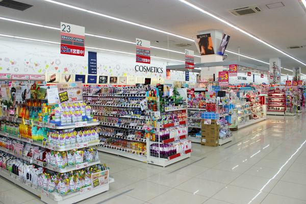 池田店美容部員・化粧品販売員正社員,契約社員,アルバイト・パートの求人の店内写真1