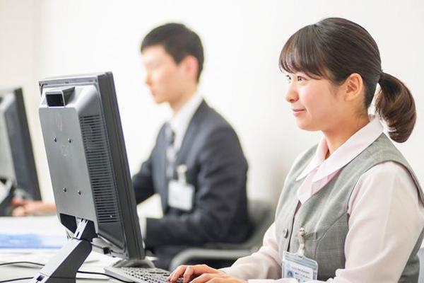 総合健診センターヘルチェック 日本橋センター(6月NEW OPEN)一般事務・アシスタント(健診センター事務スタッフ)契約社員の求人のスタッフ写真1