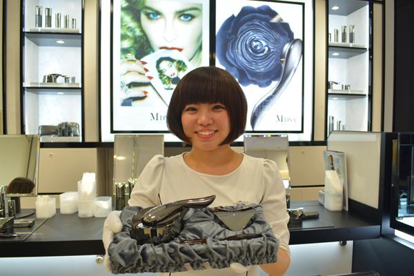 MDNA SKIN 伊勢丹新宿店美容部員・化粧品販売員(モデリスト)正社員の求人のスタッフ写真3